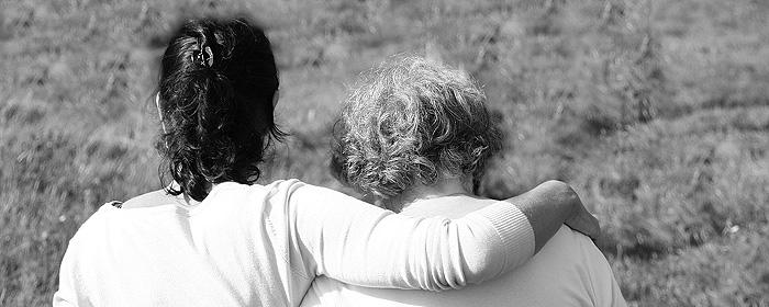 Standbeeld van een verdrietige stenen engel | Huilen helpt blog van Patty Kruiswijk